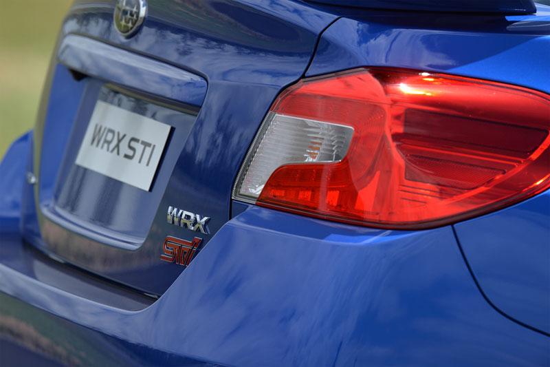 Foto Detalles (11) Subaru Wrx-sti Sedan 2014