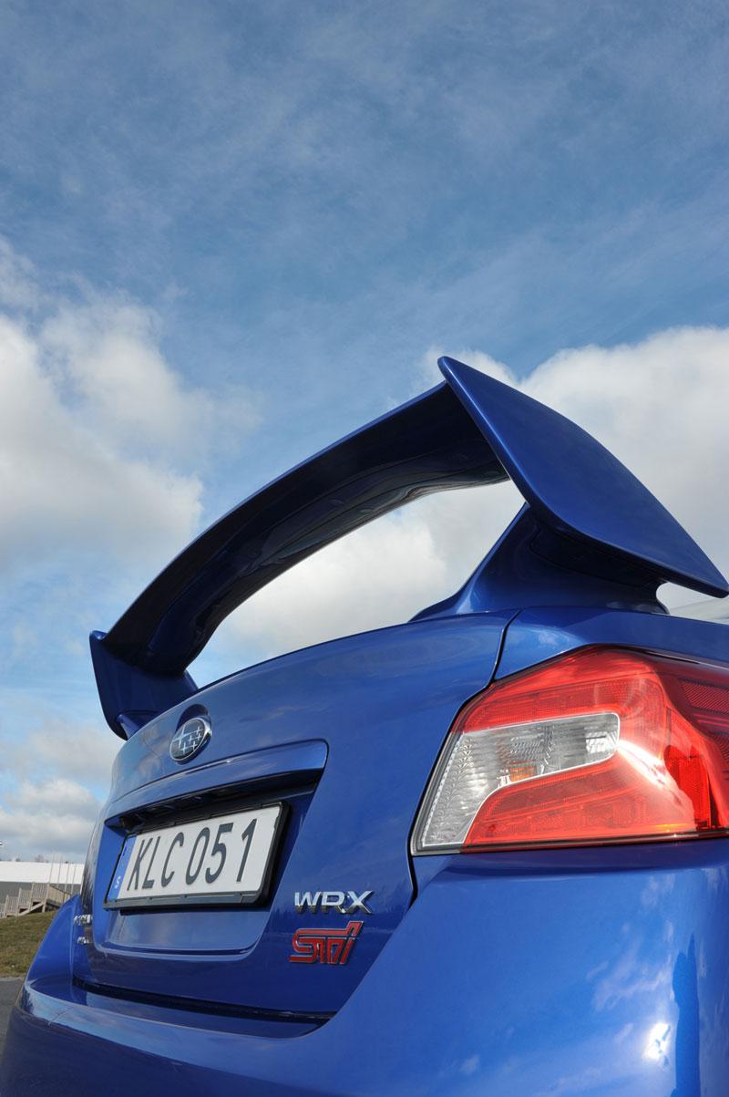 Foto Detalles (21) Subaru Wrx-sti Sedan 2014