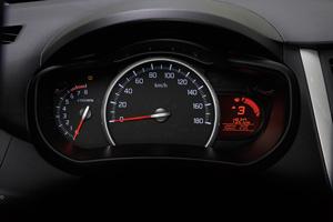 Foto Detalles 1 Suzuki Celerio Dos Volumenes 2015