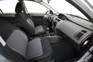 Foto Interiores Tata Vista Dos Volumenes 2012