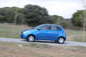 Foto Perfil Tata Vista Dos Volumenes 2012