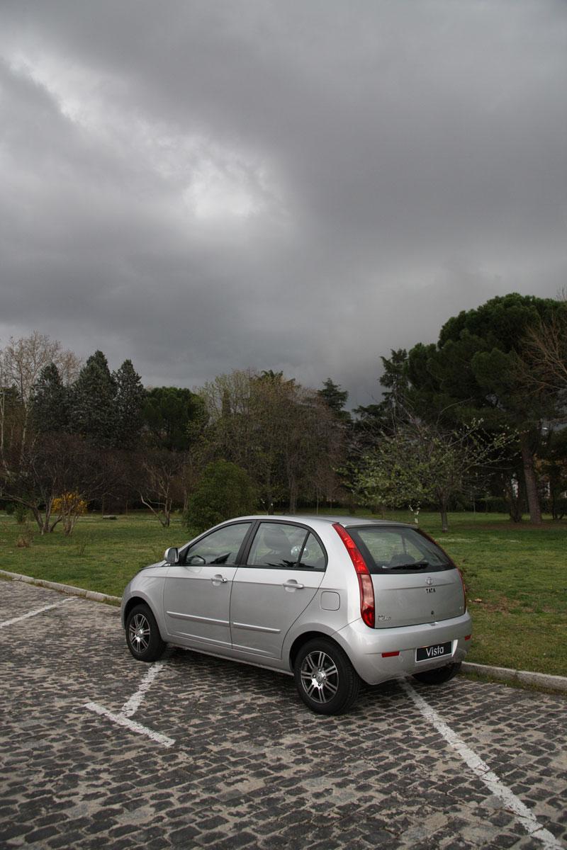 Foto Exteriores Tata Vista Dos Volumenes 2012