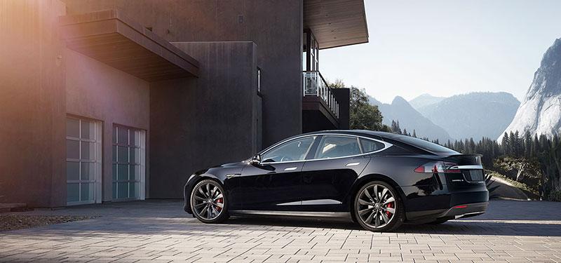 Foto Trasera Tesla S Sedan 2015