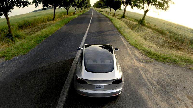 Foto Exteriores Tesla Model 3 Sedan 2016