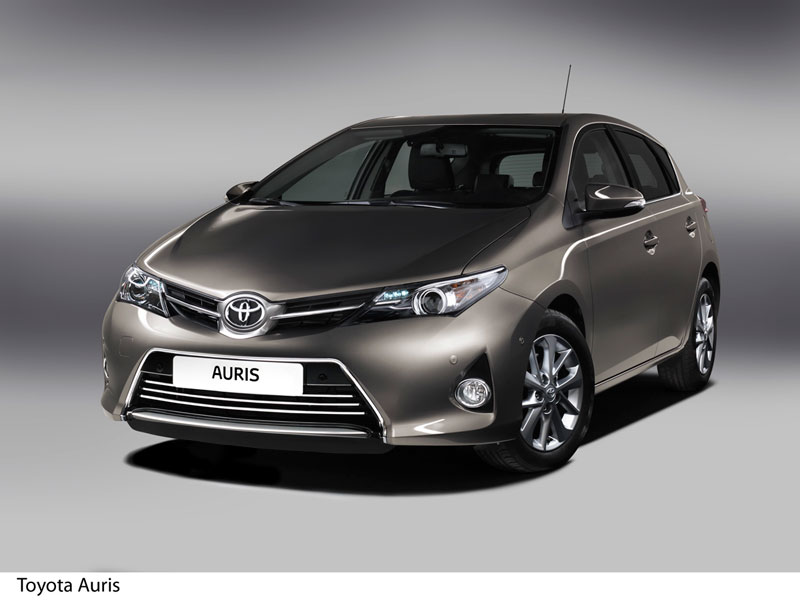 Foto Delantera Toyota Auris Dos Volumenes 2012