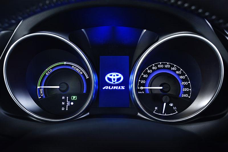 Foto Detalles Toyota Auris Dos Volumenes 2015