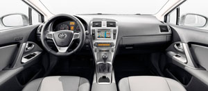 Foto Salpicadero Toyota Avensis Berlina 2014