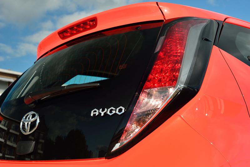 Foto Detalles Toyota Aygo Dos Volumenes 2014