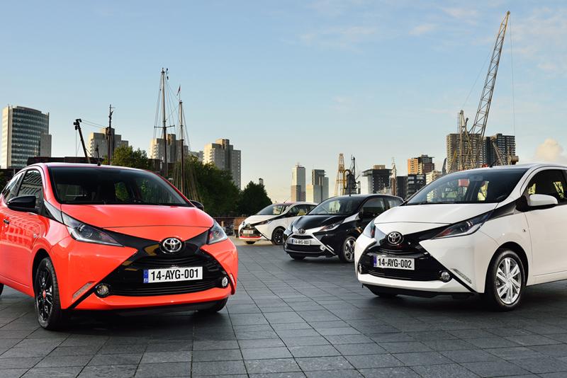 Foto Exteriores Toyota Aygo Dos Volumenes 2014
