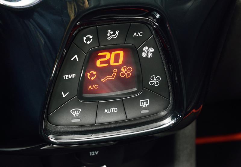 Foto Interiores Toyota Aygo Dos Volumenes 2014