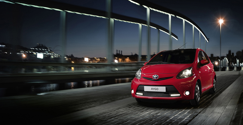 Foto Exteriores (1) Toyota Aygo-rojo-frac Dos Volumenes 2013