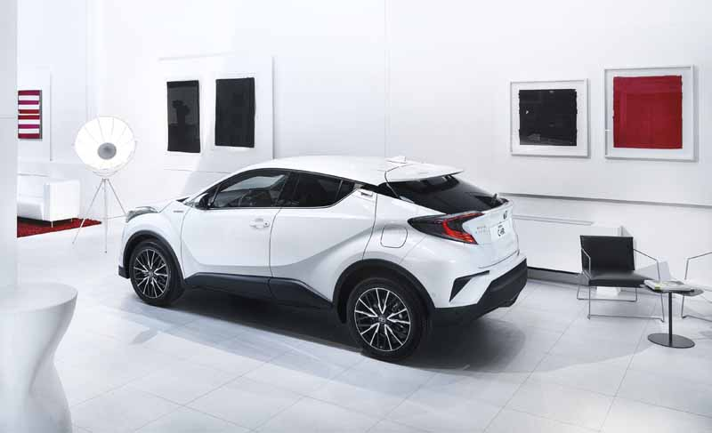 Foto Foto Exteriores Toyota C Hr Todocamino Toyota C Hr Suv Todocamino 2016