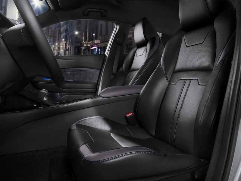 Foto Foto Interiores Toyota C Hr Todocamino Toyota C Hr Suv Todocamino 2016