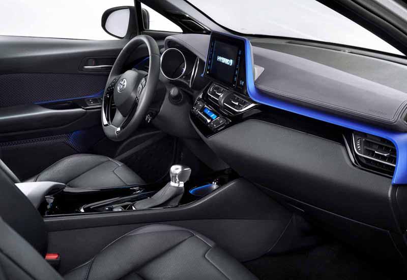 Foto Interiores Toyota C Hr Suv Todocamino 2016