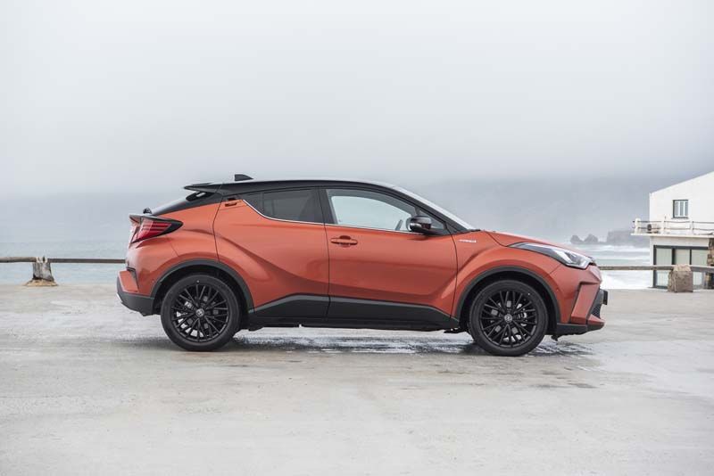 Toyota C-HR 2020, foto lateral