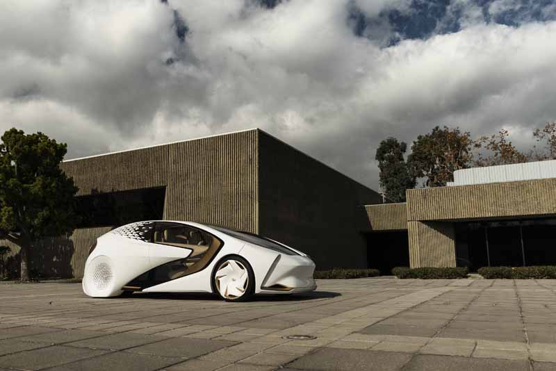 Foto Exteriores (3) Toyota Concept-i Monovolumen 2017