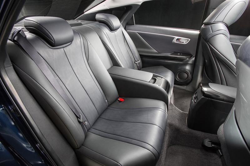 Foto Interiores (3) Toyota Mirai Berlina 2014