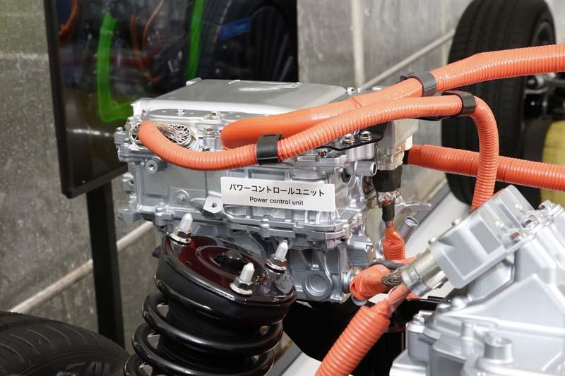 Foto Tecnicas Toyota Mirai Sedan 2021