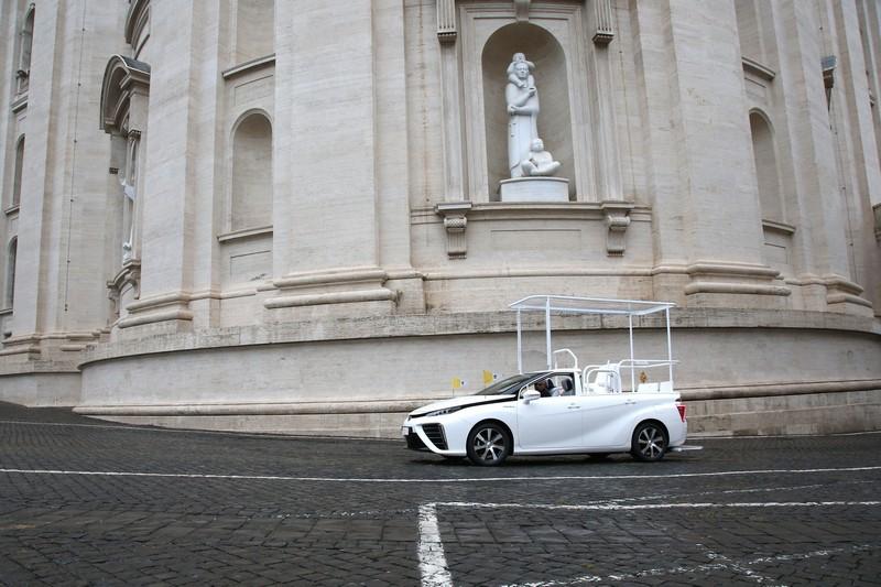 Foto Exteriores Toyota Mirai Papamovil Dos Volumenes 2020