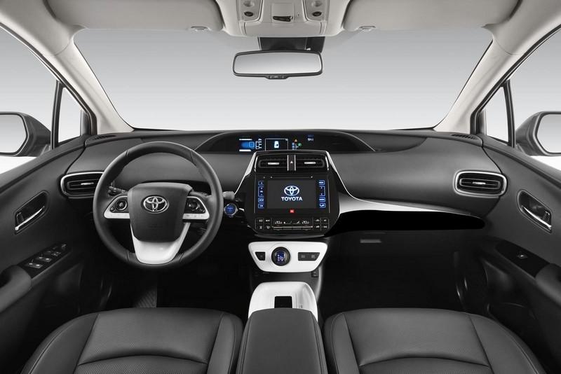 Foto Salpicadero Toyota Prius Dos Volumenes 2016