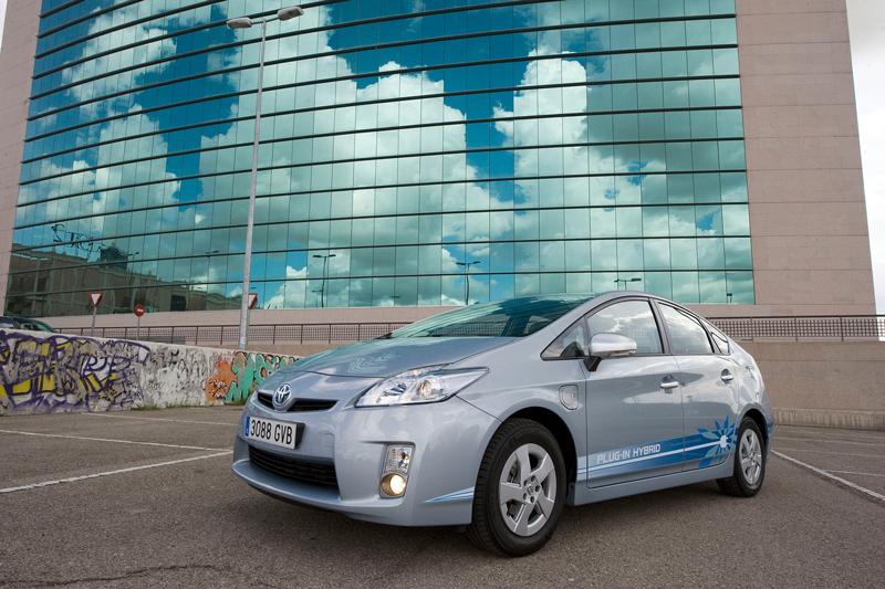 Foto Lateral Toyota Prius Enchufable Prototipo 2010