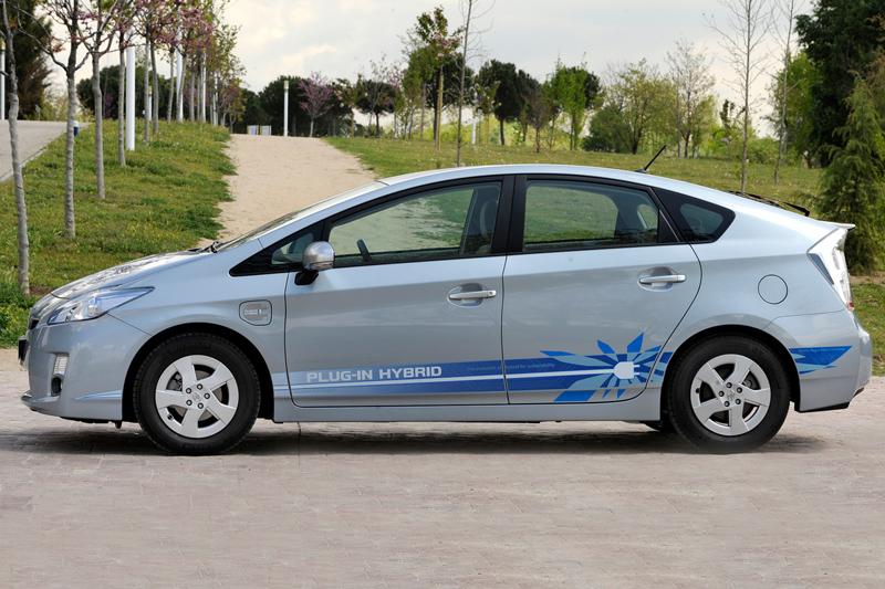 Foto Perfil Toyota Prius Enchufable Prototipo 2010