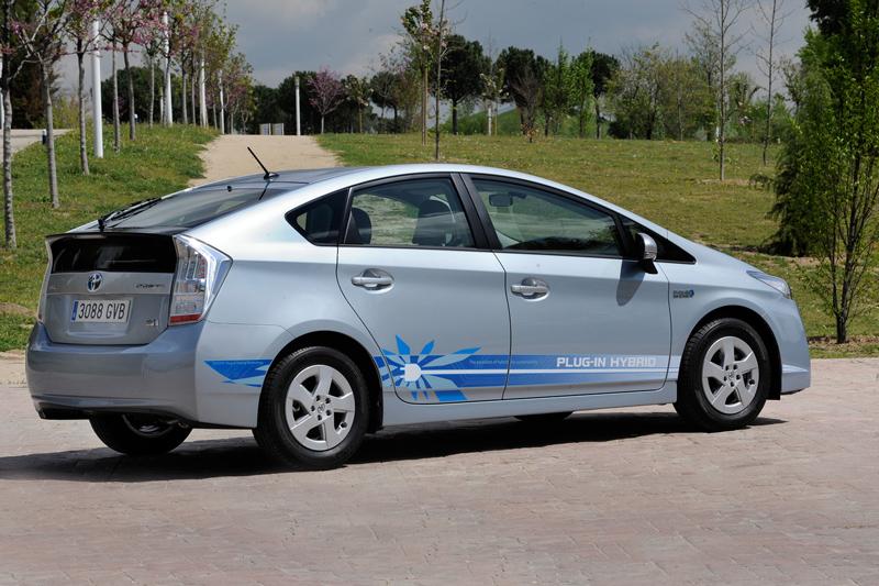 Foto Trasera Toyota Prius Enchufable Prototipo 2010