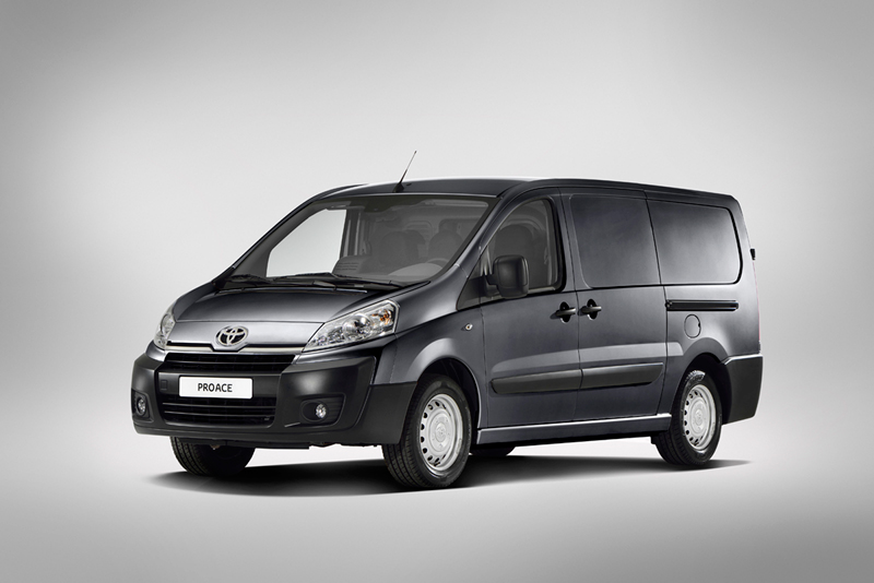 Foto Perfil Toyota Proace Vehiculo Comercial 2013