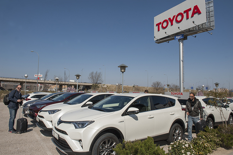 Foto Exteriores (8) Toyota Rav4-hybrid Suv Todocamino 2016