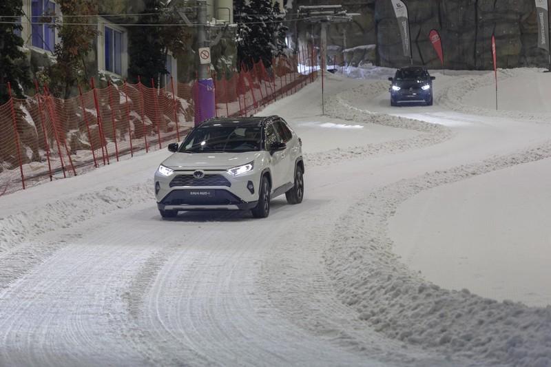 Foto Exteropres Toyota Rav4-hybrid-awd Suv Todocamino 2019