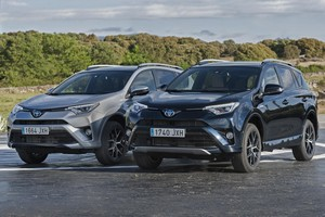 Foto Delantera Toyota Rav4-hybrid-feel!-edition Suv Todocamino 2017