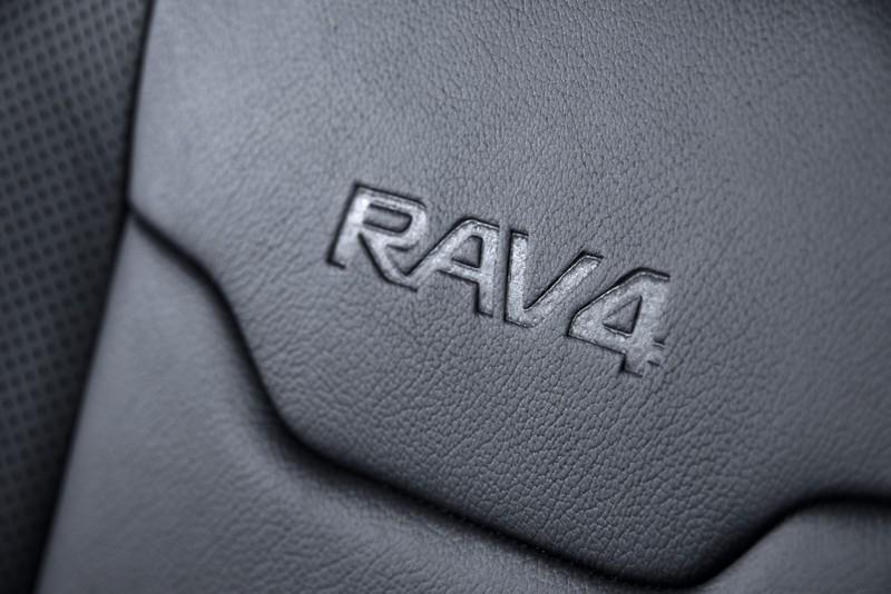Foto Detalles 1 Toyota Rav4-hybrid-sapphire Concept 2016