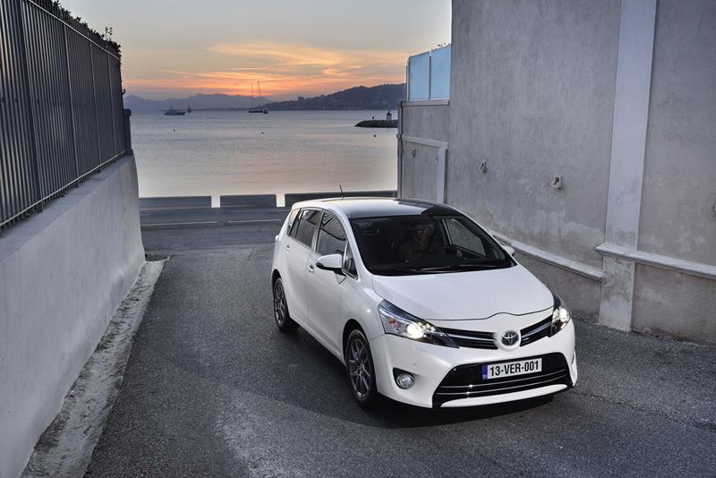 Foto Exteriores Toyota Verso Monovolumen 2013