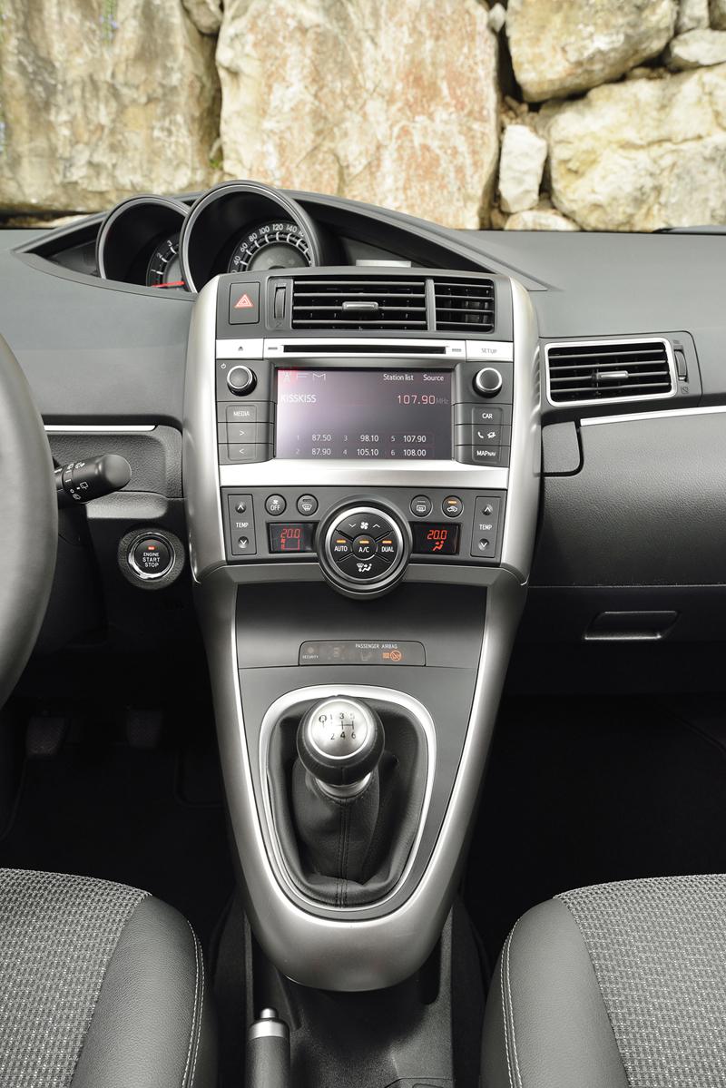 Foto Interiores Toyota Verso Monovolumen 2013