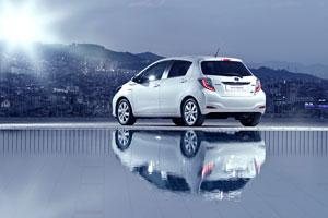 Foto Exteriores (16) Toyota Yaris Dos Volumenes 2011