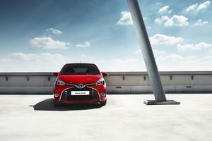 Foto Exteriores 2 Toyota Yaris Dos Volumenes 2016