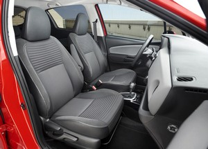 Foto Interiores Toyota Yaris Dos Volumenes 2016