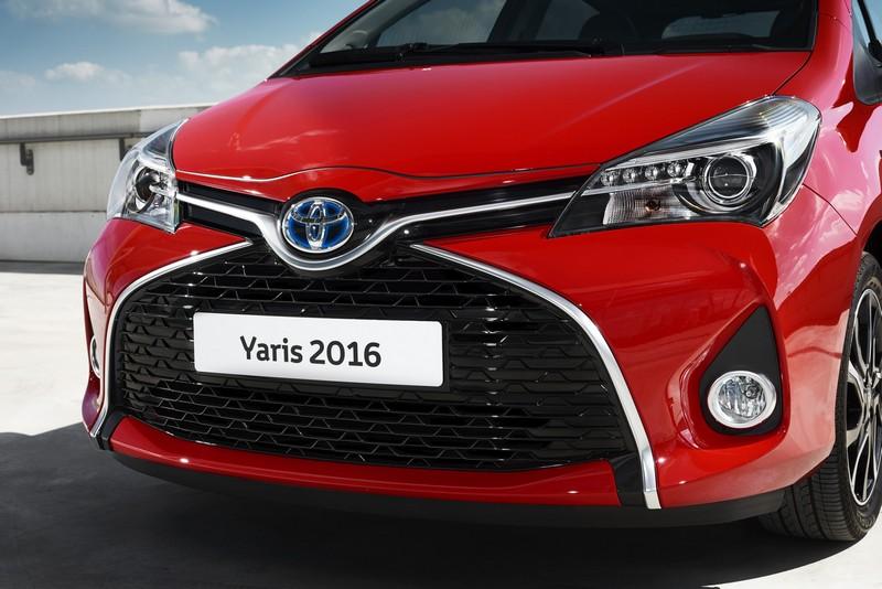 Foto Detalles Toyota Yaris Dos Volumenes 2016