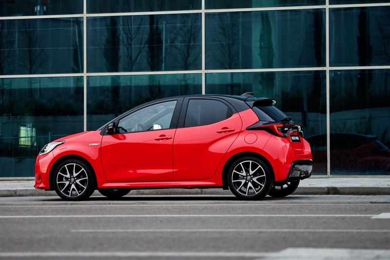 Foto Exteriores Toyota Yaris Electric Hybrid Style Premiere Edition Dos Volumenes 2020