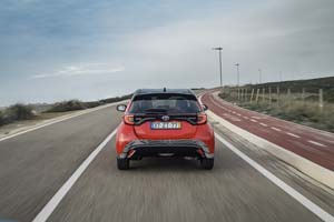 Foto Exteriores (4) Toyota Yaris-hybrid Dos Volumenes 2020