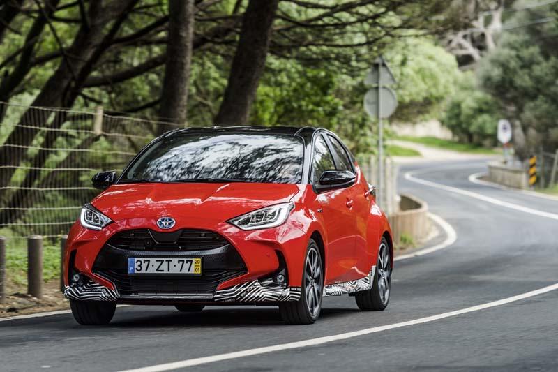 Toyota Yaris Hybrid 2020, foto delantera