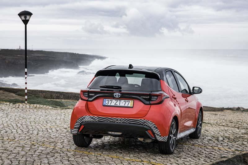 Foto Exteriores Toyota Yaris Hybrid Dos Volumenes 2020