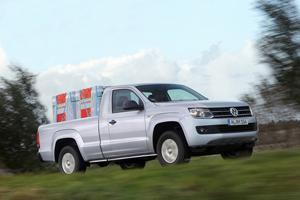 Foto Exteriores (8) Volkswagen Amarok-cabina-simple Vehiculo Comercial 2013