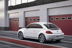 Foto Exteriores-(03 Volkswagen Beetle Dos Volumenes 2011