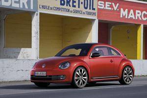 Foto Exteriores-(05 Volkswagen Beetle Dos Volumenes 2011