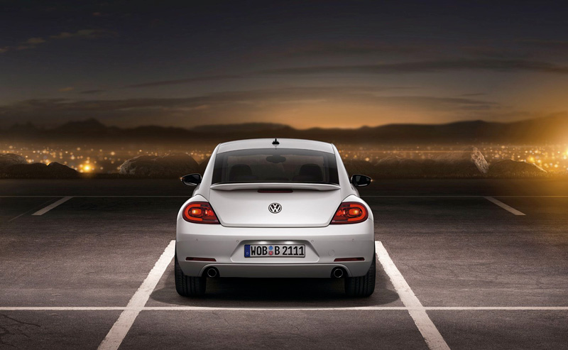 Foto Trasera Volkswagen Beetle Dos Volumenes 2011