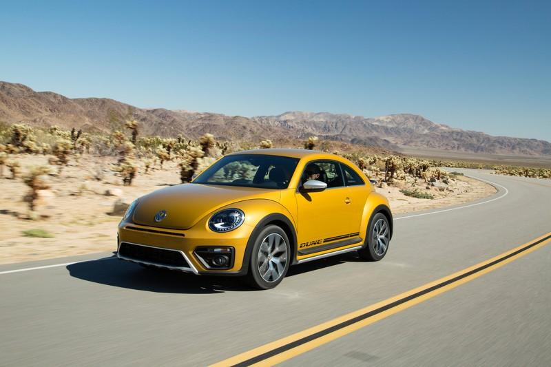 Foto Delantera Volkswagen Beetle Dune Dos Volumenes 2016