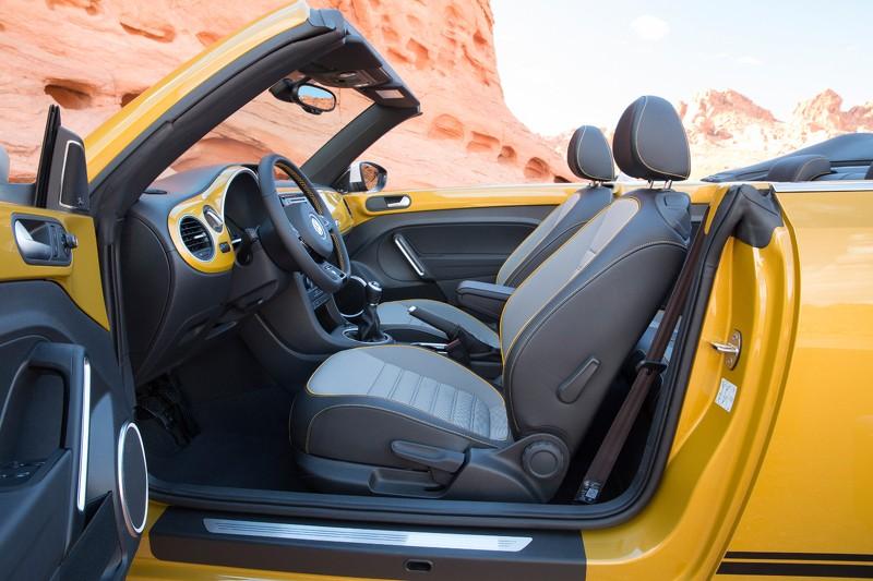 Foto Interiores Volkswagen Beetle Dune Dos Volumenes 2016