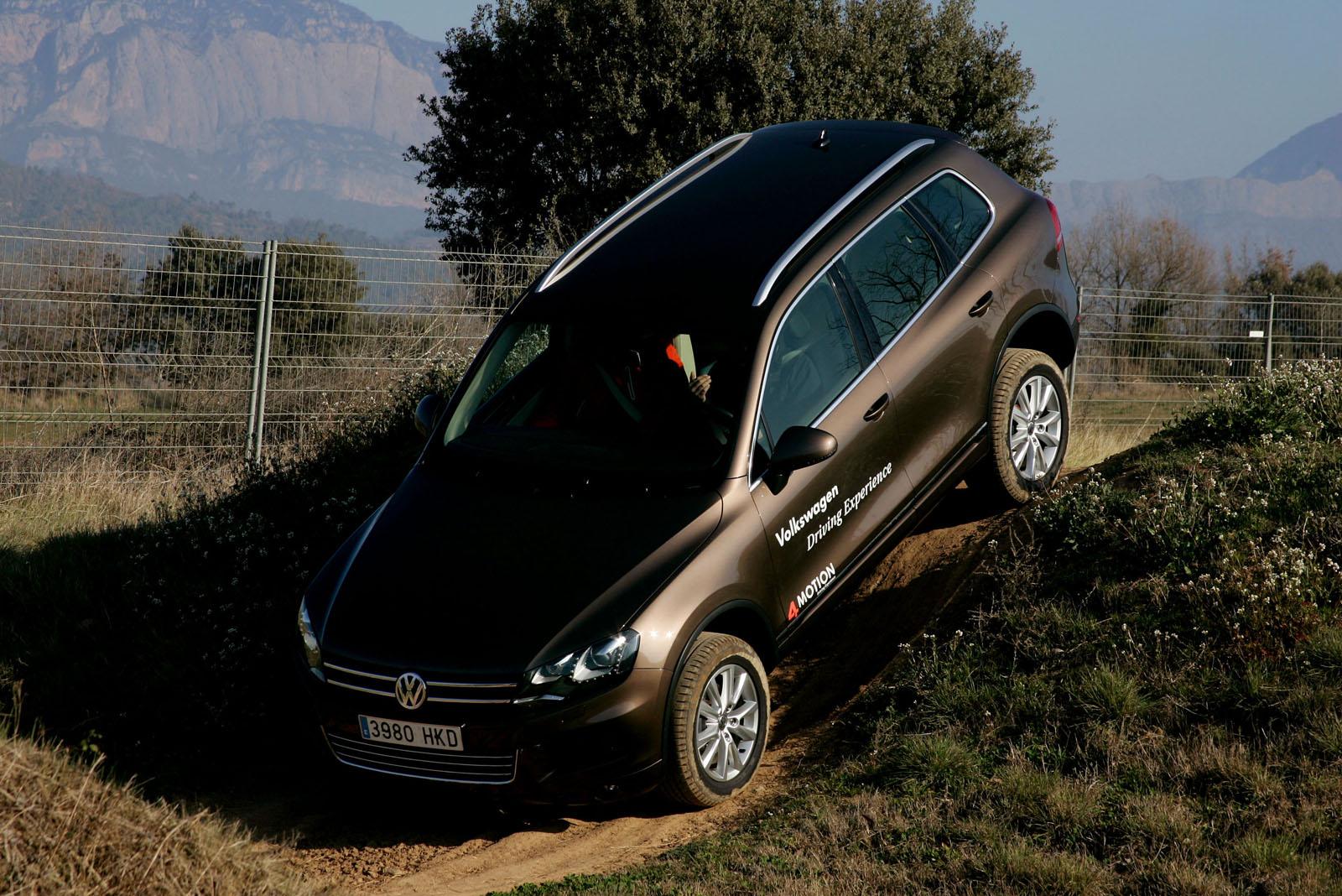 foto touareg off road 5 volkswagen driving experience 2014. Black Bedroom Furniture Sets. Home Design Ideas
