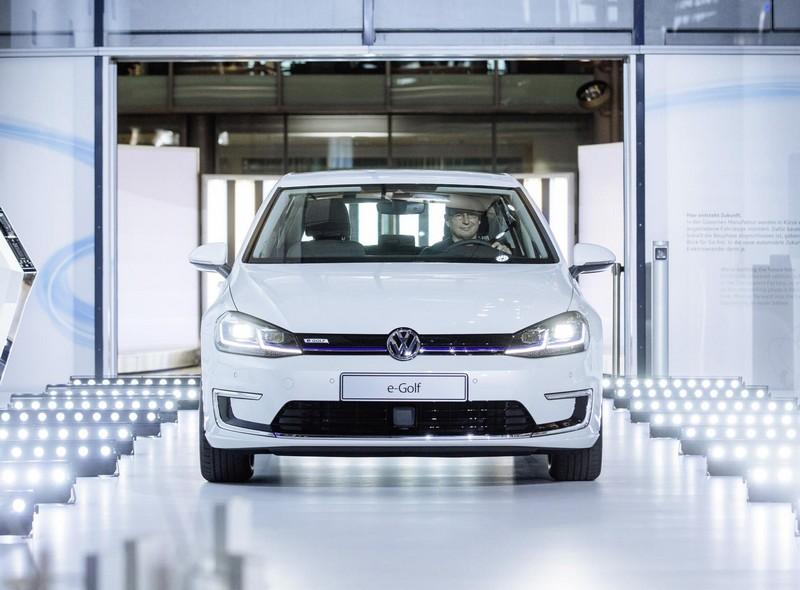 Foto Delantera Volkswagen E Golf Dos Volumenes 2017
